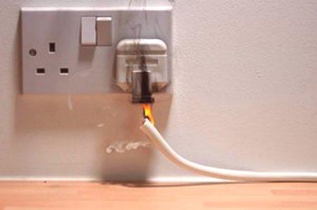 Preto také problémy s elektroinštaláciou - častým javom v každodennom  živote. Ale to nie je dôvod na to f262eb218c